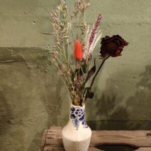 Delfts Blauw met droogbloemen