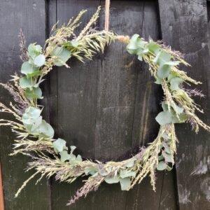 droogbloemen krans eenvoudig