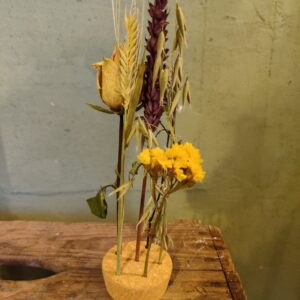Kurk met droogbloemen