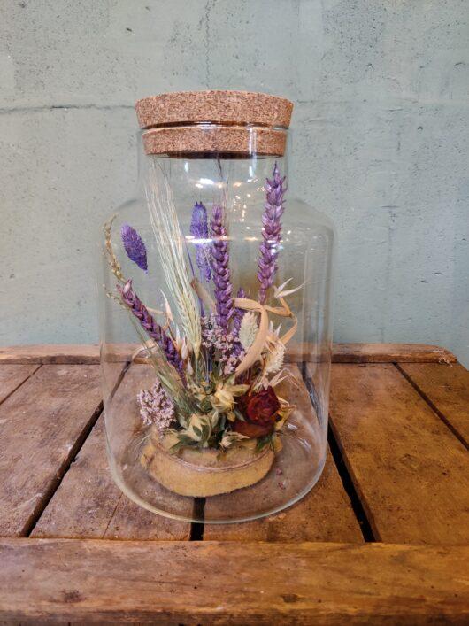 Droogbloemen in glas