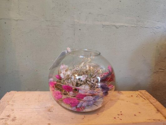 Ronde vaas met droogbloemen