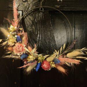 eigen droogbloemen krans samen stellen